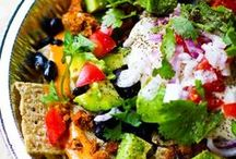 Meatless Menu: Mexican / Make it a Mexican inspired #MeatlessMonday with these delicious vegetarian and vegan meal ideas!
