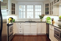 Kitchens / by Melissa Spivey