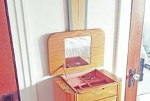 annumography: 80's Jewelry Cabinet Rescue / Inspiration for rescuing my 1980's jewelry cabinet (http://annumography.wordpress.com/2014/01/01/we-both-need-a-fresh-start-80s-jewelry-cabinet-rescue-blogiversary-recap/)