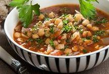 Suppe / Kun fantasien sætter grænser, når det kommer til suppe, og her er der stakkevis af gode, sunde og nemme opskrifter på den dejlige ret.