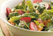 Favorite Salads / Light, crispy and refreshing, try one of these favorite salad recipes for lunch or dinner!