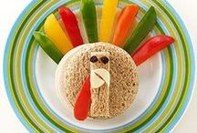 Easy Thanksgiving Ideas / Easy Thanksgiving recipes that will rock and easy crafts for kids.