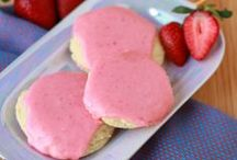 Easy Dessert Ideas / Easy dessert recipes, decadent sweets and easy to make treats.