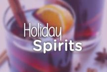 Festive, Healthy Holiday Cocktails / Check out our favorite healthy holiday cocktail recipes. Cheers! #noomsgiving