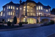 Dream Home / Ideas for My Mansion!  / by Charisse Rene'