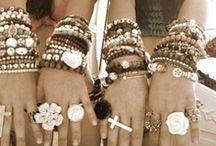 Accessories / by Maida Larrain