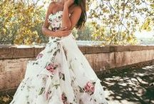 Wedding outfits / Wedding is one of the most important events in women's life, so pick up a right wedding outfits and give yourself a perfect wedding, you deserves the best.