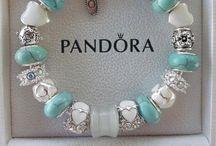 #pandora etc...Beads# Bracelets / PaNdOrA  / by Caren Quadros🌷