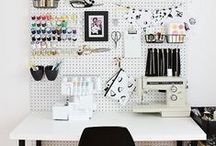 studio, home office, craft room envy. / Art Studios. Home Offices. Craft Rooms.