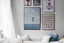 living with art. / Creative and beautiful ways to display art in your home decor.