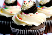 CUPCAKES!!!!!!!!!! / by Melissa W.