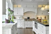 White Kitchen / White Kitchen - White Kitchens & Decor  / by DIY BOARDS