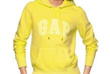 Gap Sarısı / Işıltısını güneşten çalan capcanlı Gap sarıları, soğuk kış günlerinde giyenlerin içini ısıtıyor.