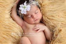 Newborn Photography / Ideas, tips, inspiration and poses for newborn photography.