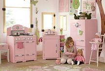 Baby & Kids Rooms / by Mary Shawn Seaborn