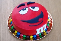 Cakes & Cupcakes / by Tina Taylor-Kibodeaux