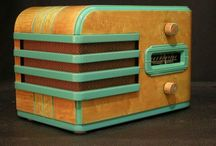 Radio Radio / Art Deco Vintage Mid-century Bakelite radios with style from the past / by Lou Dacs
