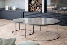 Salontafels combi / In plaats van 1 grote salontafel, is het zoveel leuker en praktischer om met meerdere kleine salontafels te werken. Op dit bord verzamelde ik een groot deel inspiratie hiervoor.