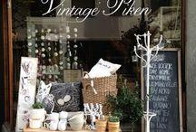 Cafe,Restaurants and Shops