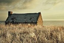 Lone house / by Sandy Taylor