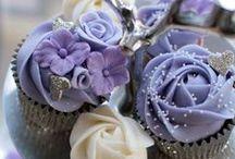 cupcakes / by Julie Abbamondi