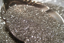 sparkle / diamonds, glitter, sequins,