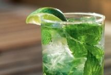 Recipes to Try: Drinks / by Samantha Wells