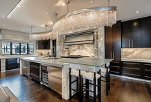 Kitchens / by Lindsey Botkin