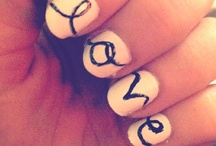 Nails / If only I was ambidextrous. My right hand will look like dump while my left hand looks amazingly. / by Aubri Carrell