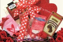 Valentine's Day Gift Baskets 2014 / Elegant Valentine's Day gift baskets sure to win hearts, please friends, family and that special someone.