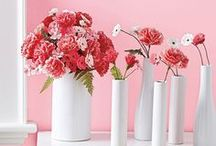 DIY Flowers / Paper, tissue, painted flowers and more! Can't wait to try some of these DIYs.