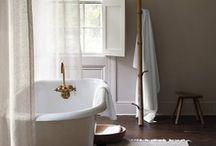 Baths / by Julia Jardim