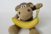 Monkeys / Cheeky craftsy monkeys
