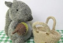 Squirrels / Cute and crafty squirrels and acorns