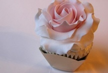 Cupcakes & Mini Cakes / We love these dainty sweet treats.  Cupcakes, Mini Cakes- nearly too pretty to eat!