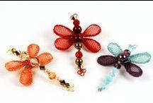 JOYAS-ANIMALES y MUÑEQUITOS hechos ABALORIOS / Hechos con abalorios o delicas/With beads