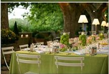 Outdoor Home Wedding Inspirations / When you really want to share your special day with only close friends and family. Here are inspirations that will help in creating a special backyard outdoor wedding.