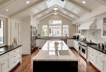 I could cook in these KITCHENS / by Meegan Schulte