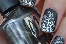 nails / by Meera Gomer
