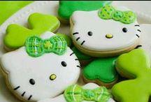 Deco Cookies!! / by Kelly Kandziora Szymakowski
