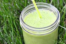 Green Smoothie Inspiration / Ideas, recipes and inspiration for green smoothies! Everything you need to know to make delicious and healthy green smoothies that the whole family will love!