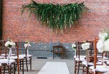 ELEGANT WOODLAND WEDDING IDEAS / Pretty lace and natural wood