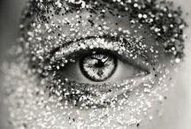 DIAMANT / Pierre incontournable et indémodable, le diamant est associé aux natifs du mois d'Avril. Son nom est synonyme d'inaltérable, incassable et de pur. Et en effet, le diamant est la pierre la plus dure au monde. Gemmyo propose du diamant sur l'ensemble des ses bijoux, à combiner avec différents métaux. Retrouvrez nos bijoux diamant sur www.gemmyo.com. / by Maison Gemmyo