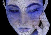 VIOLET TANZANITE / La tanzanite est une pierre d'exception dont la couleur est un magnifique équilibre entre un cristal bleu et des reflets violacés. Les tanzanites de Gemmyo arrivent directement de la mine, près d'Arusha, en Tanzanie et sont choisies avec soin pour la profondeur de leurs couleurs bleues et violettes. Retrouvez tous nos bijoux en Tanzanite sur gemmyo.com / by Maison Gemmyo