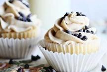 • Cupcakes • / by Raenah Norris