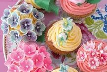 Let Them Eat Cake / Gorgeous decorated cakes, cupcakes, cake pops and macaroon cakes. Some lovely ideas for weddings, showers and celebrations to make any event an extra special one!