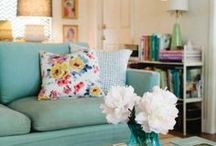 Spring Decor / Decorating for spring and all these beautiful spring decor ideas will inspire you to clear out the clutter and bring in spring!