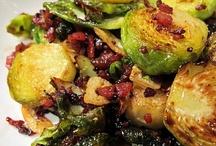 Food: Vegetarian, Vegan and Veggie Recipies / by Irene Kusters Berney