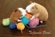 Muñecos en dos agujas o palillos / Tutoriales de muñecos tejidos en dos agujas, palillos o tricot.  Knitted toys / by Tejiendo Perú