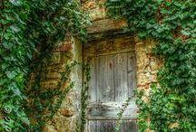 DOORS & WINDOWS / porte, chiavistelli e finestre